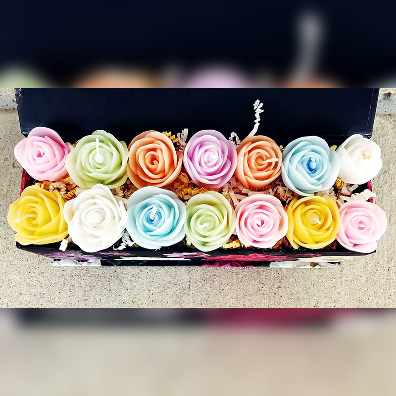 Pastel_Box_of_Rose_Candles